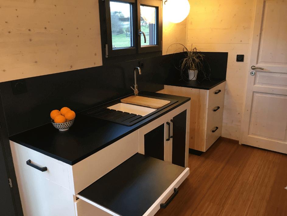 cuisine toute équipée dan sune tiny house
